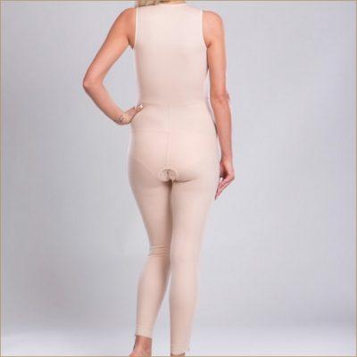 Компрессионный костюм после липосакции живота, спины, боков бедер и ног