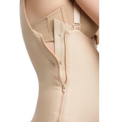 Женское компрессионное белье после пластической операции